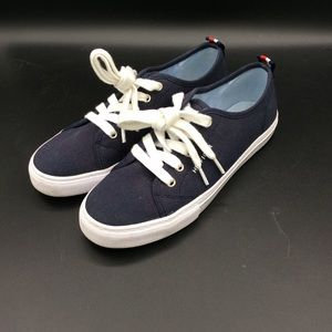 Tommy Hilfiger tennis style shoes. Very cute 😍